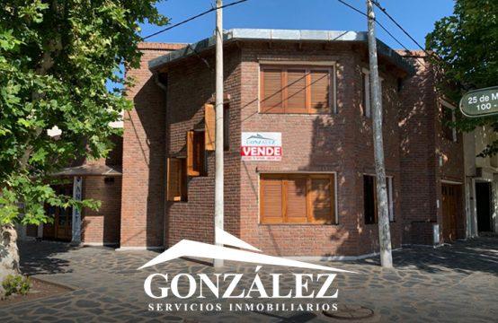 Casa de Dos Dormitorios con Local Comercial
